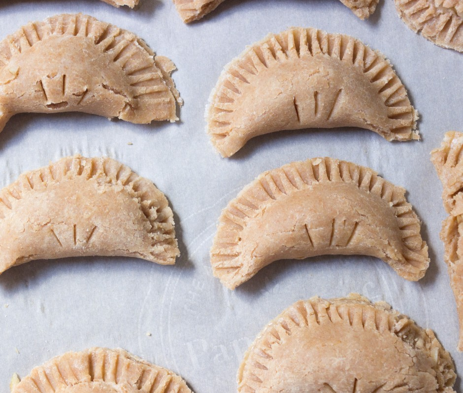 Easy Apple Hand Pies from soul-beet.com
